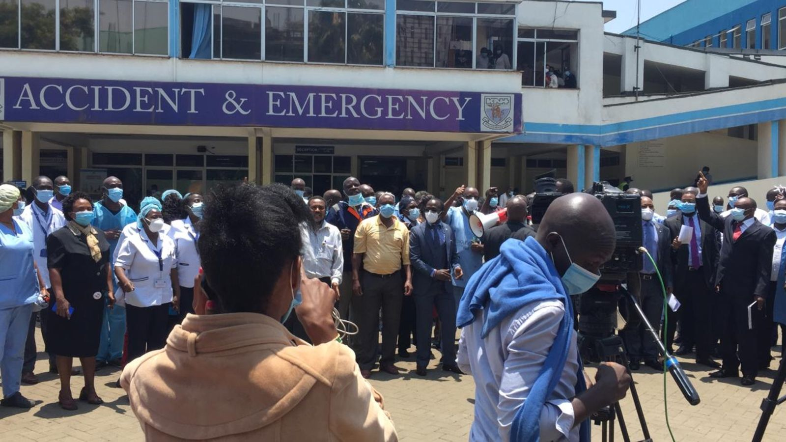Patient dies outside KNH as medics stage strike